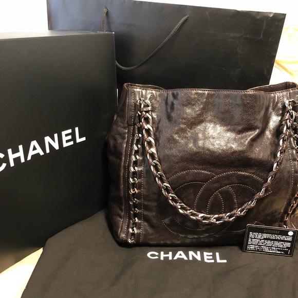 967e39c5ede3 CHANEL Handbags - Chanel Modern Chain Caviar Tote